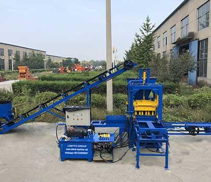 QT3-20 concrete block making machine