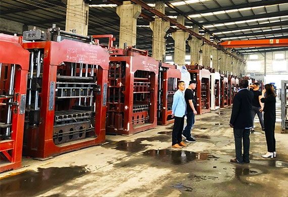 lontto automatic brick making machine for sale and customer visiting